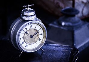 Das Bild zeigt eine Uhr (Quelle: pixabay)