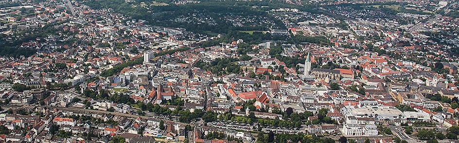 Die Paderborner Innenstadt und der Dom – Ansicht von Südost. (Juni 2018)